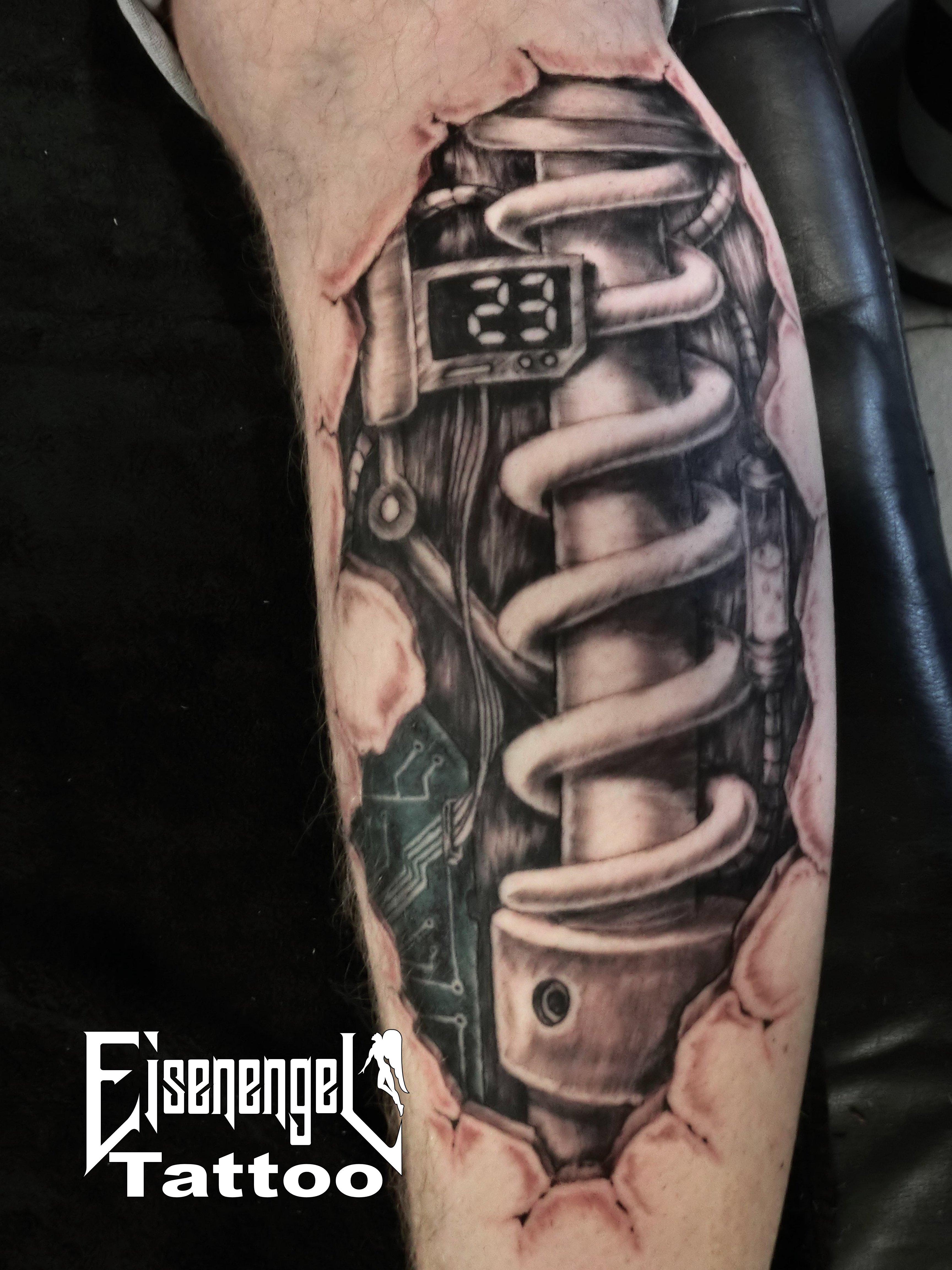 tattoo_biomechanik_stossd_mpfer_2_.JPG
